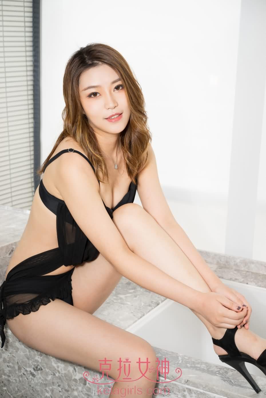 [Kelagirls克拉女神] 浴室挑逗 橙橙 2017-08-25 [24+1P-393M]